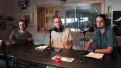 """לי-אור אברבך (משמאל) עם המנחים אורן פרסיקו ואיתמר ב""""ז באולפן קול-הקמפוס, 16.6.16 (צילום: נמרוד הלברטל)"""