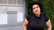"""עמית גונן ליד ביתה של הממונה על ההגבלים העסקיים עו""""ד מיכל הלפרין"""