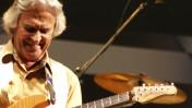 עדיין חי. המוזיקאי ג'ון מקלפלין (צילום: קרלו פקוררו, רישיון CC-BY-2.0)