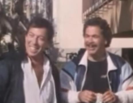 """מימין: יהודה ברקן ומשה טימור, בסרט """"המתיחה הגדולה"""", 1984 (צילום מסך)"""