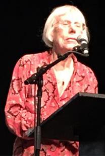 """השופטת בדימוס דליה דורנר, יו""""ר מועצת העיתונות ויו""""ר ועדת פרס דרור, בטקס הענקת הפרס, 11.11.16 (צילום: פרס דרור)"""
