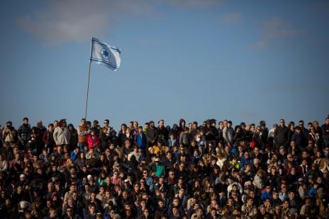 קהל בטקס סיום קורס טיס של חיל האוויר. חצרים, 29.12.16 (צילום: מרים אלסטר)