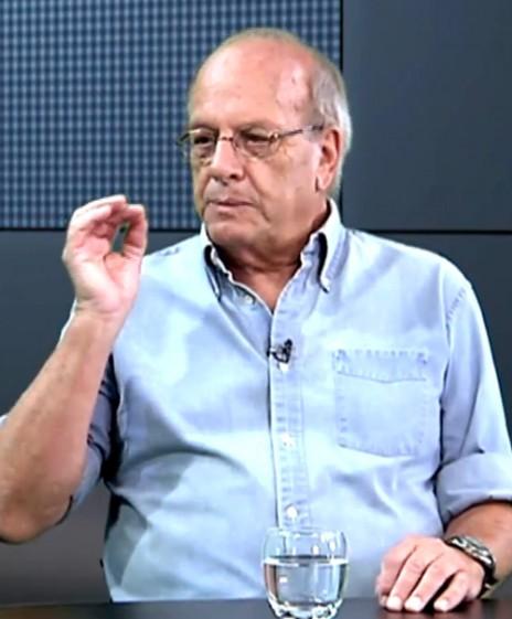 """ארנון צוקרמן (צילום מסך מתוך הסדרה """"רוח החופש"""")"""