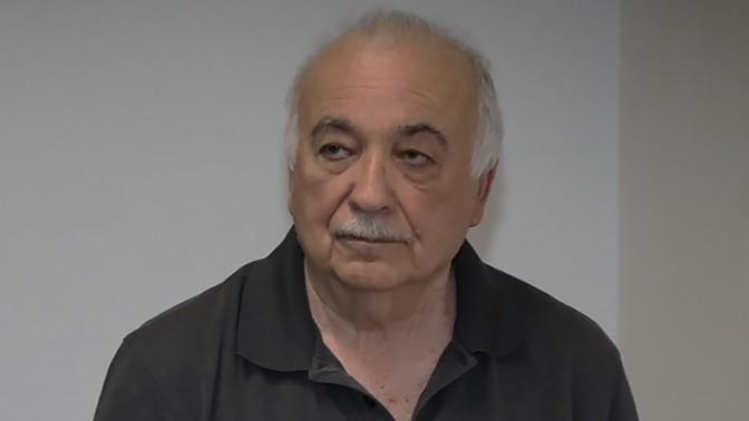 """אליעזר פישמן, לשעבר בעל השליטה ב""""גלובס"""", בבית-המשפט המחוזי בתל-אביב אחרי שהוכרז כפושט רגל, 1.1.17 (צילום: פלאש 90)"""