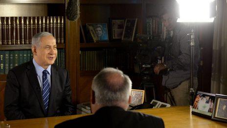 """ראש הממשלה בנימין נתניהו מתראיין לרשת BBC הבריטית, 25.11.2014 (צילום: חיים צח, לע""""מ)"""
