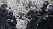 צלמים ושוטרים ישראלים בירושלים, 2011 (צילום: רובן סלבדורי)