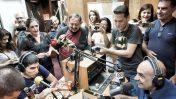 אנשי תחנת הרדיו 88FM נפרדים ממנה בשידור באולפן בתל-אביב, 14.5.17 (צילום: גיא שחר)