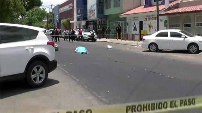 גופתו של העיתונאי המקסיקני חאוויר ולדז, שנרצח בשבוע שעבר, העיתונאי החמישי שנרצח במקסיקו במהלך 2017 (צילום מסך)