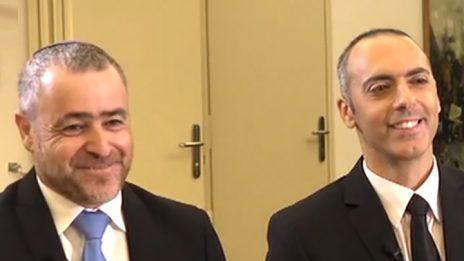 אנשי ערוץ 20 אלירן טל ושמעון ריקלין מראיינים את ראש הממשלה בנימין נתניהו (צילום מסך)