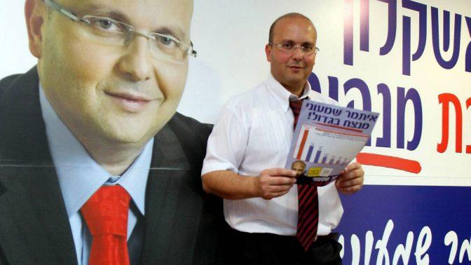 איתמר שמעוני, בעת שהיה מועמד לראשות עיריית אשקלון, נובמבר 2008 (צילום: אדי ישראל)