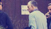 """מו""""ל """"ידיעות אחרונות"""" ארנון (נוני) מוזס בדרכו להיחקר במשטרה במסגרת """"תיק 2000"""", 17.1.2017 (צילום: רועי אלומה)"""