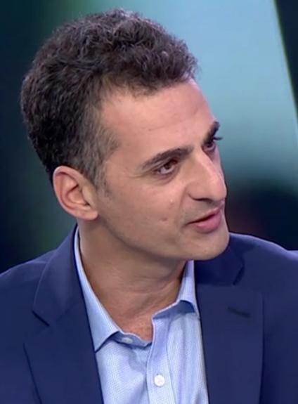 """צחי גבריאלי, """"מנהל המערכה"""" במשרד לנושאים אסטרטגיים, בראיון ממומן באולפן ynet, ספטמבר 2017 (צילום מסך)"""