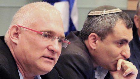"""מימין: השר להגנת הסביבה זאב אלקין ומנכ""""ל המשרד ישראל דנציגר (צילום: יאיר גיל)"""