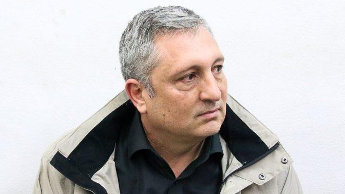 ניר חפץ בבית-משפט השלום בראשון-לציון, בדיון על הארכת מעצרו. 18.2.18 (צילום: פלאש 90)