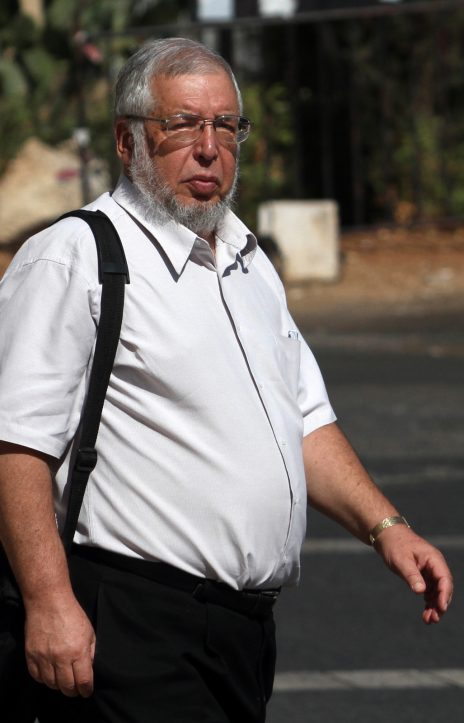 השגריר לשעבר זאב בן-אריה מחוץ לבית-משפט השלום בירושלים, 10.10.12 (צילום: יואב ארי דודקביץ')
