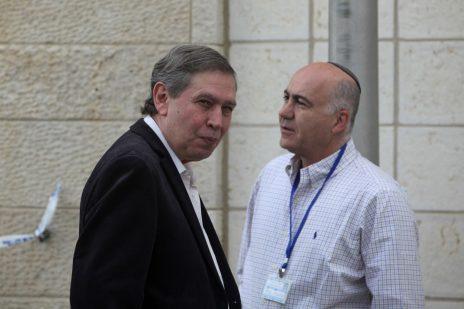 """תמיר פרדו (משמאל) ויורם כהן, בעת שכיהנו כראש המוסד וראש השב""""כ. משרד ראש הממשלה, 1.5.2011 (צילום: קובי גדעון)"""