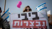 הפגנה נגד השחיתות בממשלת ישראל, פברואר 2018 (צילום: מרים אלסטר)