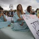 ישראלים מפגינים נגד אסדות הגז, מול כנסת ישראל, 12.6.18 (צילום: נועם רבקין פנטון)