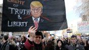הפגנה בלונדון נגד טראמפ, 4.2.2017 (צילום: Alisdare Hickson, רישיון CC BY-SA 2.0)