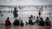 חוף הים של תל-אביב, השבוע (צילום: מרים אלסטר)