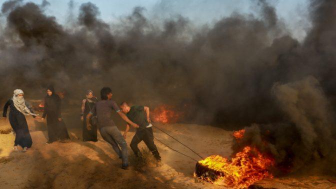 """התנגשויות בין פלסטינים לצה""""ל בגבול רצועת עזה, 28.9.2018 (צילום: עבד רחים חטיב)"""
