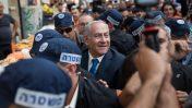 ראש הממשלה בנימין נתניהו מלווה את השר זאב אלקין בסיור בשוק מחנה-יהודה בירושלים, 24.10.2018 (צילום: הדס פרוש)