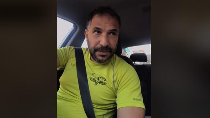 ראש עיריית טבריה הנכנס רון קובי, בצילום מסך מתוך סרטון בו צילם את עצמו מתעמת עם עיתונאים