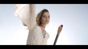 הדוגמנית רותם סלע בפרסומת לחברת טקסטיל (צילום מסך)