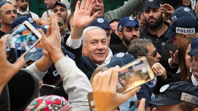 ראש הממשלה בנימין נתניהו מבקר בשוק התקווה, 2.4.19 (צילום: פלאש 90)