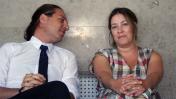 העיתונאית שרון שפורר ועורך דינה יהונתן קלינגר בבית משפט השלום בהרצליה, 25.6.19 (צילום: אורן פרסיקו)