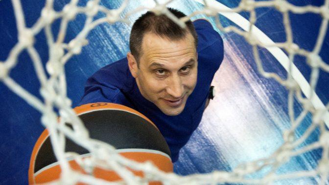 מאמן הכדורסל דייוויד בלאט (צילום: משה שי)