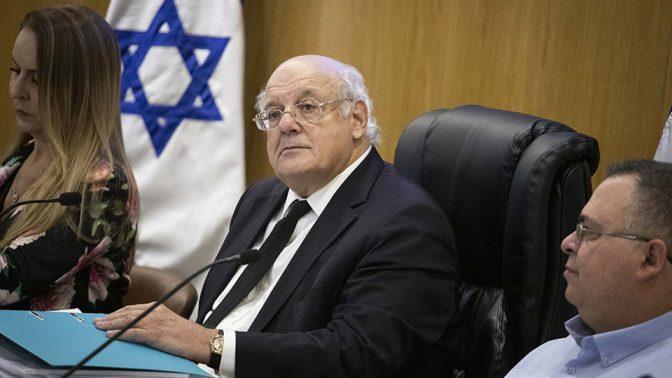 """יו""""ר ועדת הבחירות המרכזית השופט חנן מלצר (במרכז) (צילום: הדס פרוש)"""