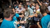 עימות בין פעילי מפלגות בשוק מחנה-יהודה בירושלים (צילום: פלאש 90)