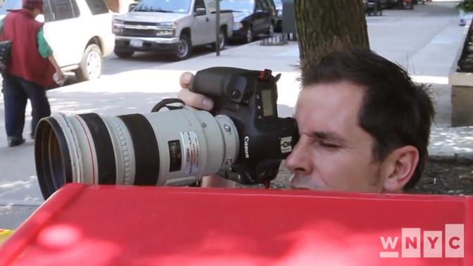 ג'יי דונלי בניו-יורק (צילום מסך מתוך ערוץ היוטיוב של WNYC)