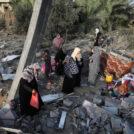 """הריסות בית שהופצץ בידי צה""""ל ברצועת עזה, 13.11.19 (צילום: עבד רחים כתיב)"""