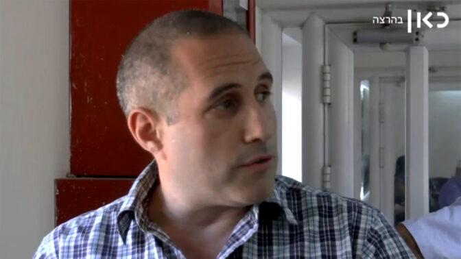 """עו""""ד חנוך מילביצקי, היועץ המשפטי של עמותת """"בני-ברוך – קבלה לעם"""" (צילום מסך מתוך תחקיר """"שטח הפקר"""")"""
