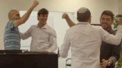 """מתוך סרטון פרסומת לאפליקציית """"אלקטור"""" (מימין: מנהל החברה, צוריאל ימין)"""