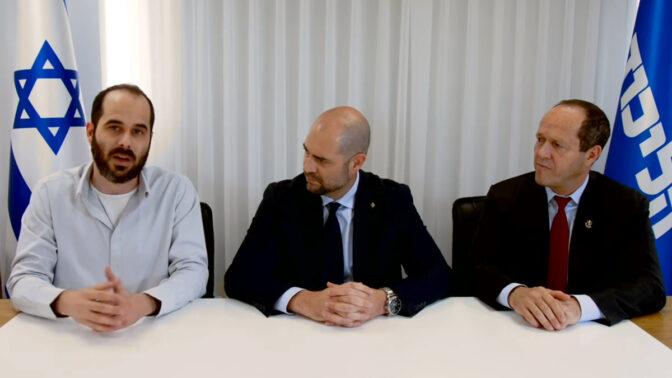 """מו""""ל """"קנאביס"""" אורן ליבוביץ' (משמאל) עם שר המשפטים אמיר אוחנה וח""""כ ניר ברקת, מתוך תשדיר בחירות של הליכוד (צילום מסך)"""