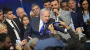 ראש הממשלה בנימין נתניהו באירוע שבו הכריז על נצחונו בבחירות 2020, שעות אחדות אחרי סגירת הקלפיות (צילום: גילי יערי)