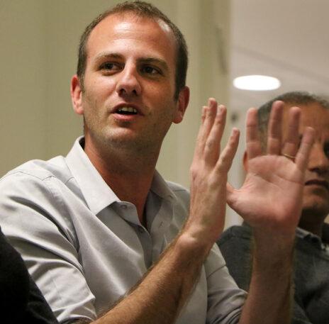 חן ביאר, כתב תאגיד השידור הציבורי בחיפה והצפון (צילום: יאיר גיל)