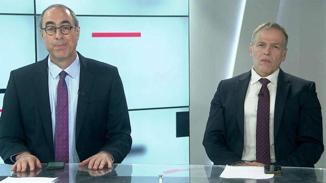 """קלמן ליבסקינד ואראל סג""""ל באולפן התוכנית """"קלמן וסג""""ל"""" (צילום: תאגיד השידור הציבורי)"""