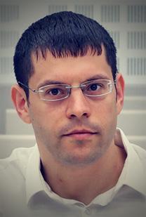 מתן חודורוב, העורך הכלכלי של חדשות 13 (צילום: אורן פרסיקו)