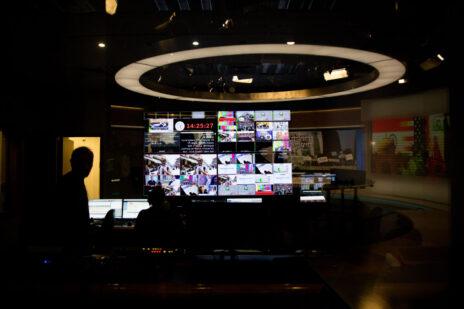 חדר הבקרה של ערוץ הכנסת, ספטמבר 2019 (צילום: יונתן זינדל)
