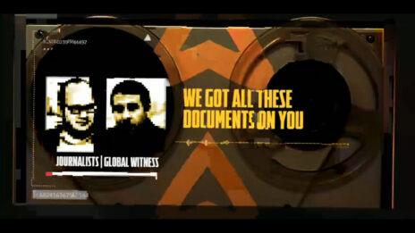 העיתונאים גור מגידו (מימין) וחיים לוינסון, בפריים מתוך סרטון שהופץ כחלק מקמפיין ההכפשה האנונימי (צילום מסך)
