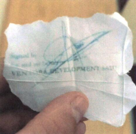 גזיר הנייר ועליו חתימתו של האזרח הקונגולזי (מתוך כתב ההגנה)