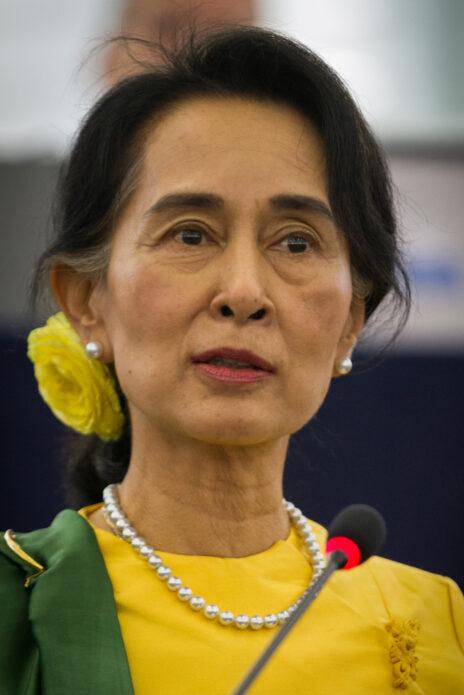 מנהיגת מיאנמר (בורמה) וכלת פרס נובל לשלום, אונג-סן סו-צ'י (צילום: Claude Truong-Ngoc, רישיון CC BY-SA 3.0)