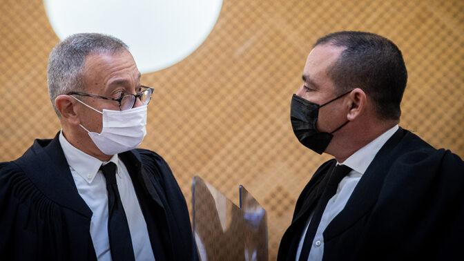 עורכי הדין ז'ק חן (מימין) ובועז בן-צור (צילום: יונתן זינדל)