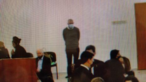 """מו""""ל """"ידיעות אחרונות"""" ארנון (נוני) מוזס בביהמ""""ש המחוזי בירושלים, עם פתיחת שלב ההוכחות במשפט השוחד של """"תיק 2000"""", 5.4.21 (צילום: אורן פרסיקו)"""
