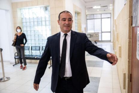 """עו""""ד ז'ק חן, בא-כוחו של שאול אלוביץ', הנאשם בשוחד ב""""תיק 4000""""; ביהמ""""ש המחוזי בירושלים, 5.5.21 (צילום: יונתן זינדל)"""