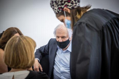 """שאול אלוביץ', נאשם מס' 2 במשפט המו""""לים, בביהמ""""ש המחוזי בירושלים, 5.10.21 (צילום: יונתן זינדל)"""